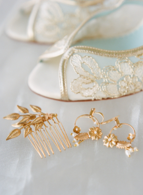 Lietofiore gold accessories, Bella Belle wedding shoes, Erica Robnett Photography