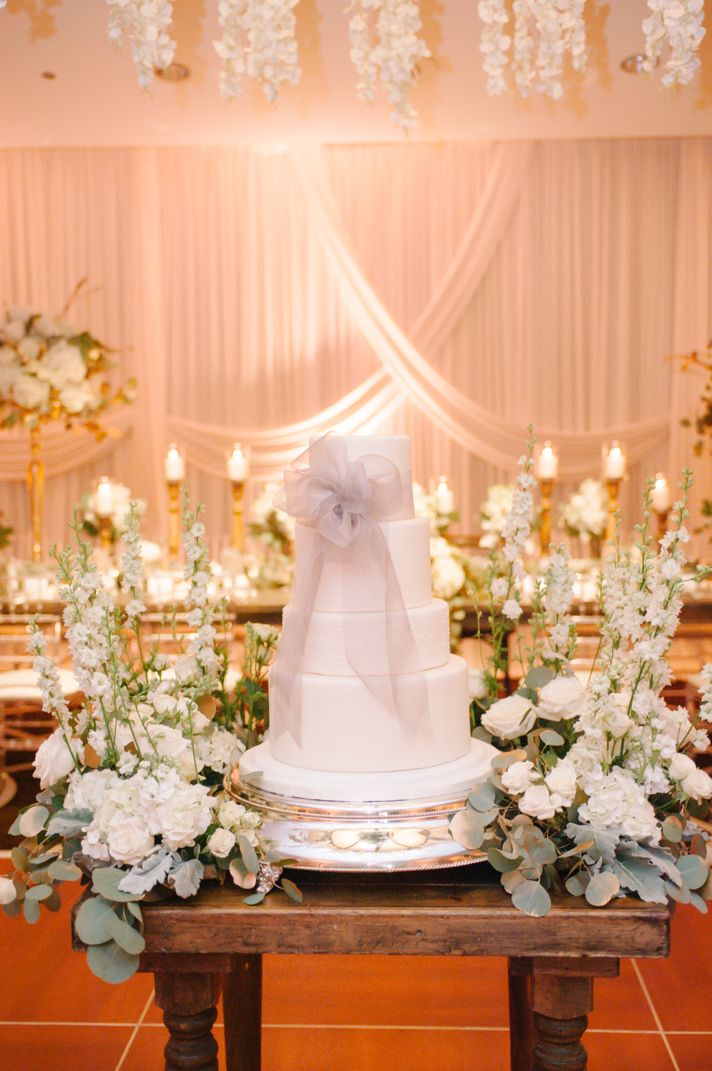 Events Floral Simply, Gwen Hotel Chicago wedding cake